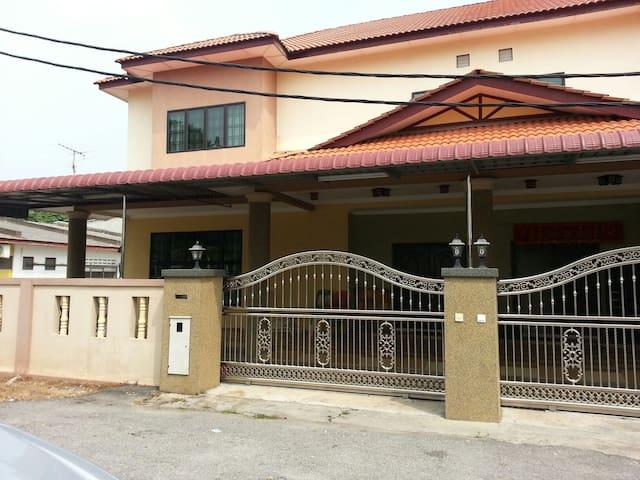 Be Home Homestay - Standard room - Sekinchan - House