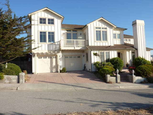 SUNNY BEACH HOUSE - MONTEREY BAY - Sand City - Huis
