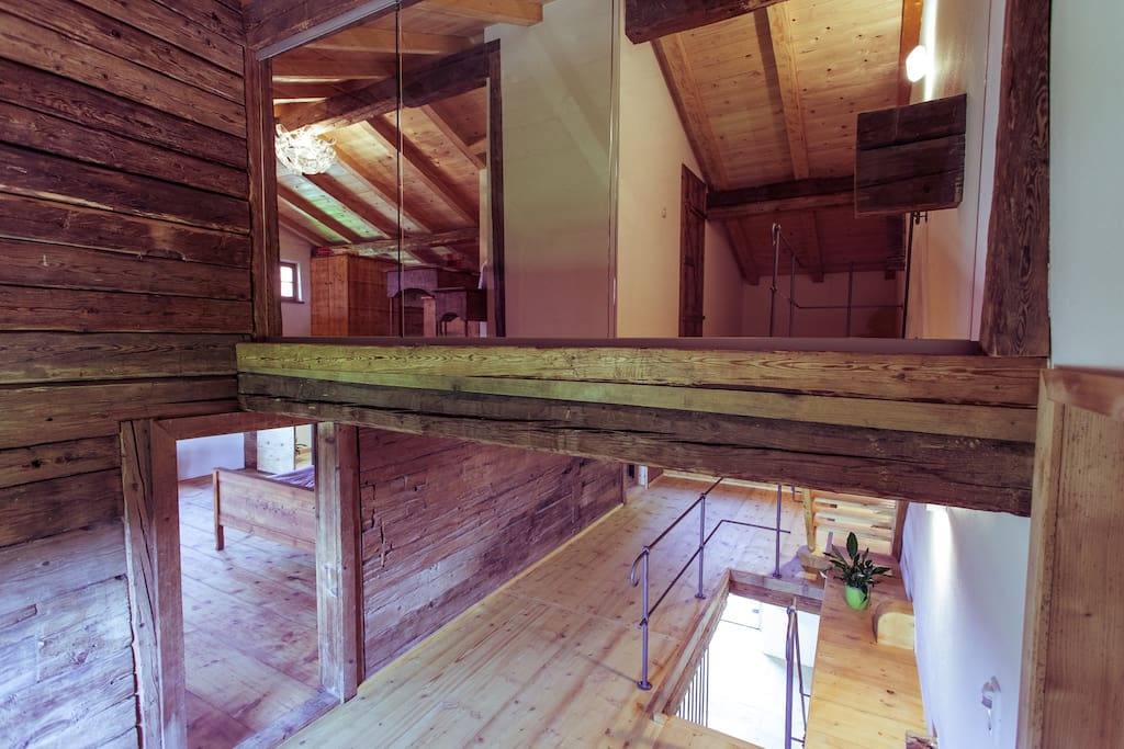 Im Kostnerhof vereinen sich heimische Handwerkskunst und moderner Komfort.