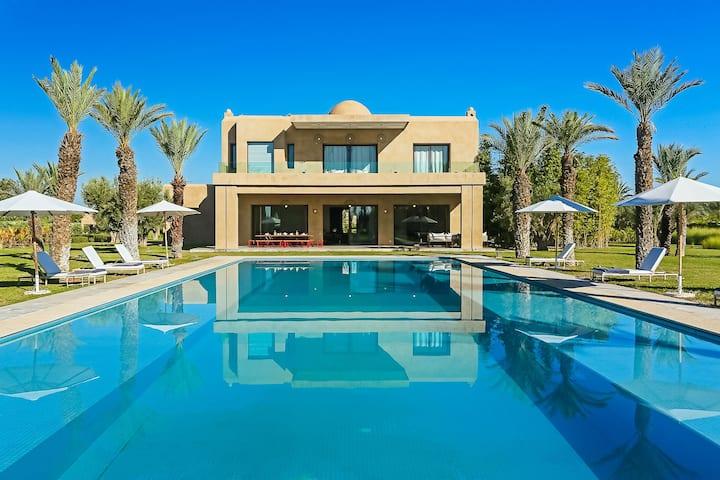 Villa Adnaa