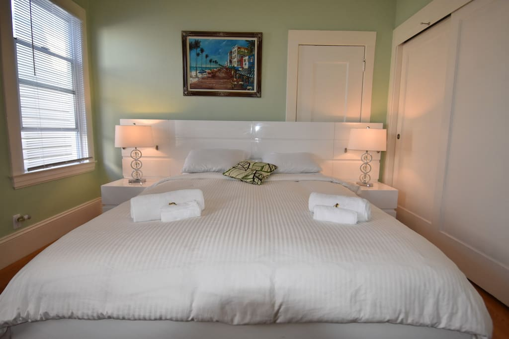 King Bed with Orthopedic orthopedic mattress king size