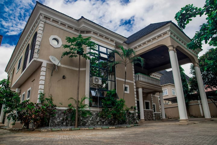 HOME AWAY FROM HOME IN CITEC VILLAS GWARINPA ABUJA