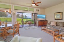 Villa 2511. 5th Night FREE! Inviting townhouse, with upgraded kitchen and bathrooms, plus golf course and ocean views.