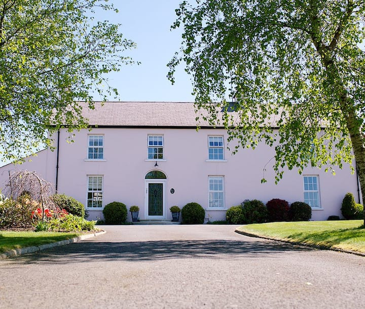 Cavan House - luxury 5 star rated farmhouse