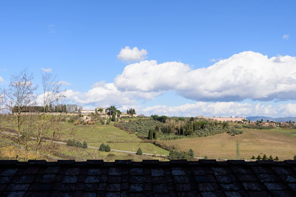 View from living room, pink room and kitchen. Panorama dal soggiorno, camera rosa e cucina