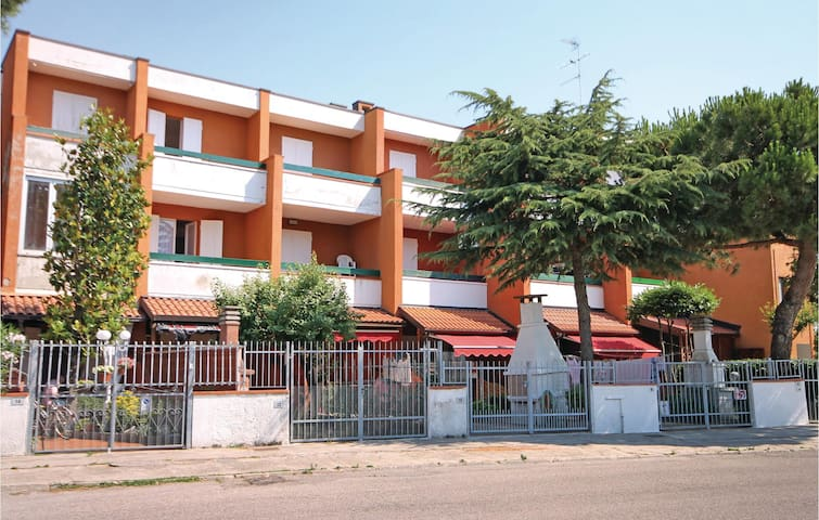 Terraced house with 2 bedrooms on 65 m² in Lido delle Nazioni -FE