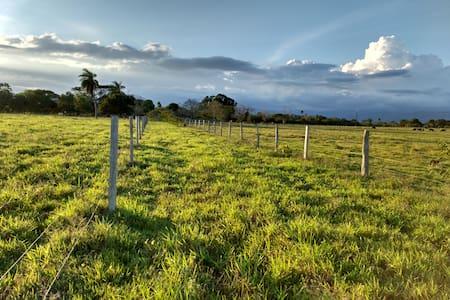 Finca agropecuaria en Aguazul