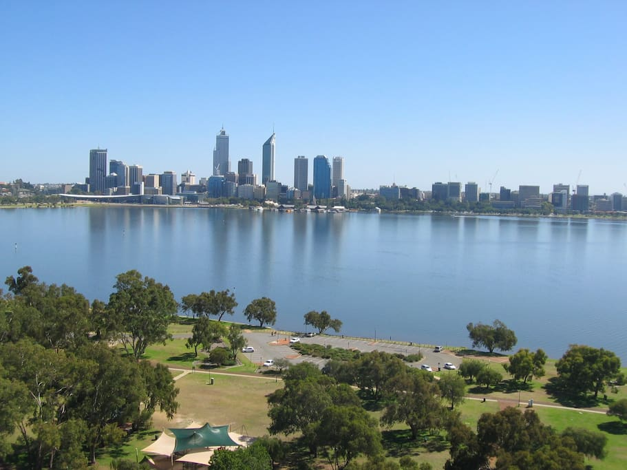 453 Top View Over River Flats For Rent In South Perth