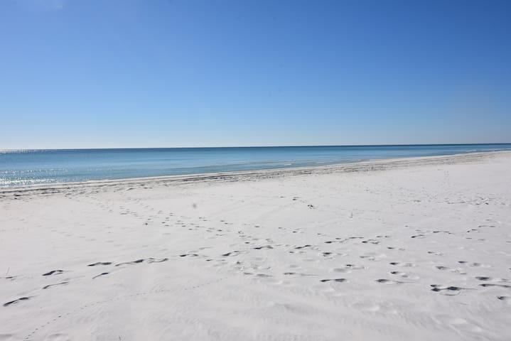 30a Beach Getaway. Near Seaside & Rosemary Beach