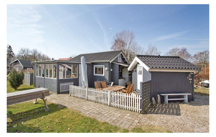 Holiday cottage with 2 bedrooms on 60 m² in Frørup