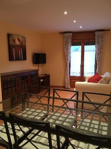 Acogedor apartamento en Alins, Vall Ferrera