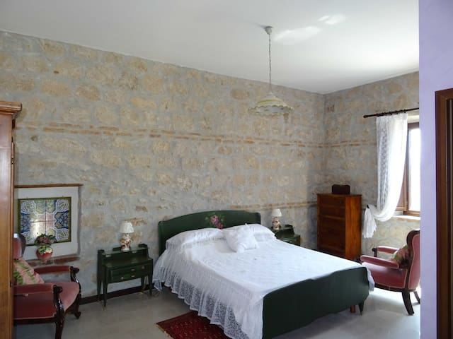 CAMERA FAMILIARE IN AGRITURISMO - Cassino - Bed & Breakfast