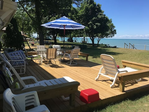 Island View - Private Lakefront home in Caseville