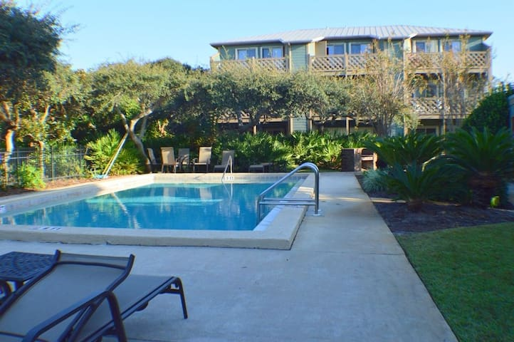 Spectacular Updated Condo in a Secluded Setting in Inlet Beach!