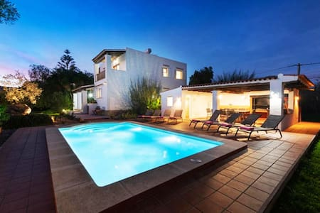 Large Villa in Ibiza town for 10 pax
