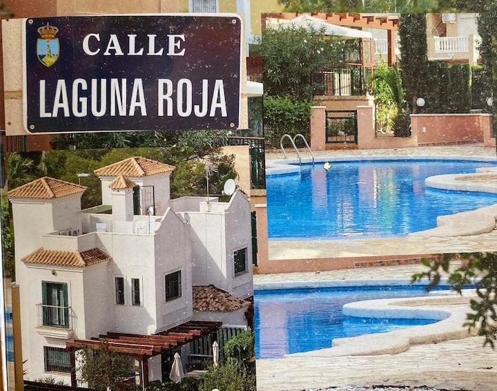 Mooie villa met gemeenschappelijk zwembad(11villa)