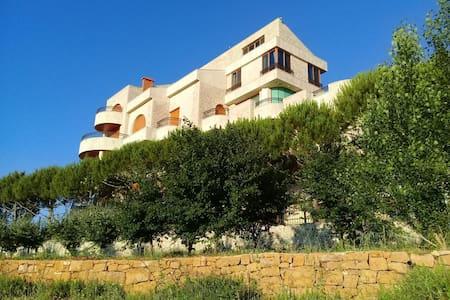 Beautiful Mountain Villa (Furnished)
