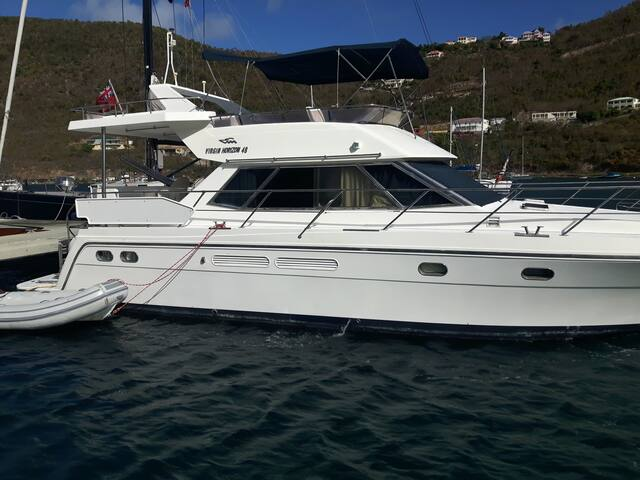 48' Motor Yacht