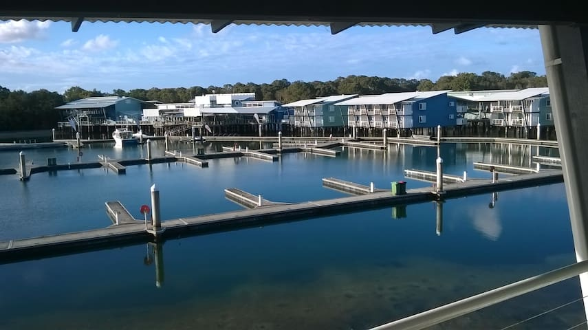 Unique island marina apartment - South Stradbroke - Apartment