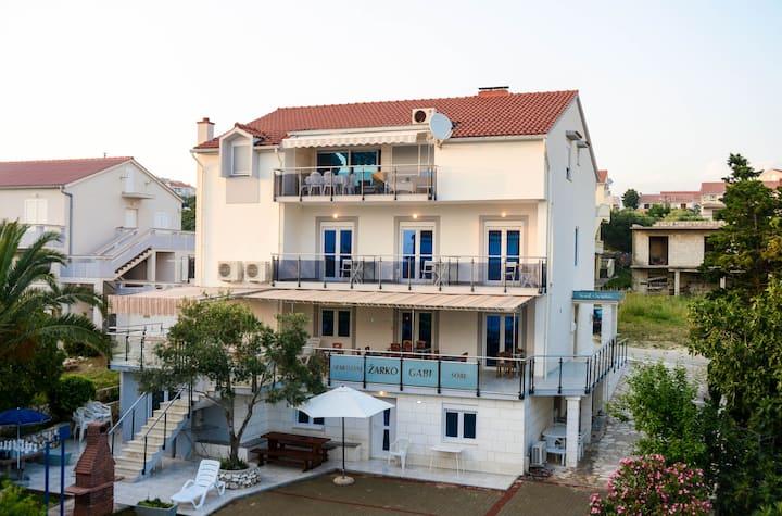 Villa Gabi - apartment for 4 people near center