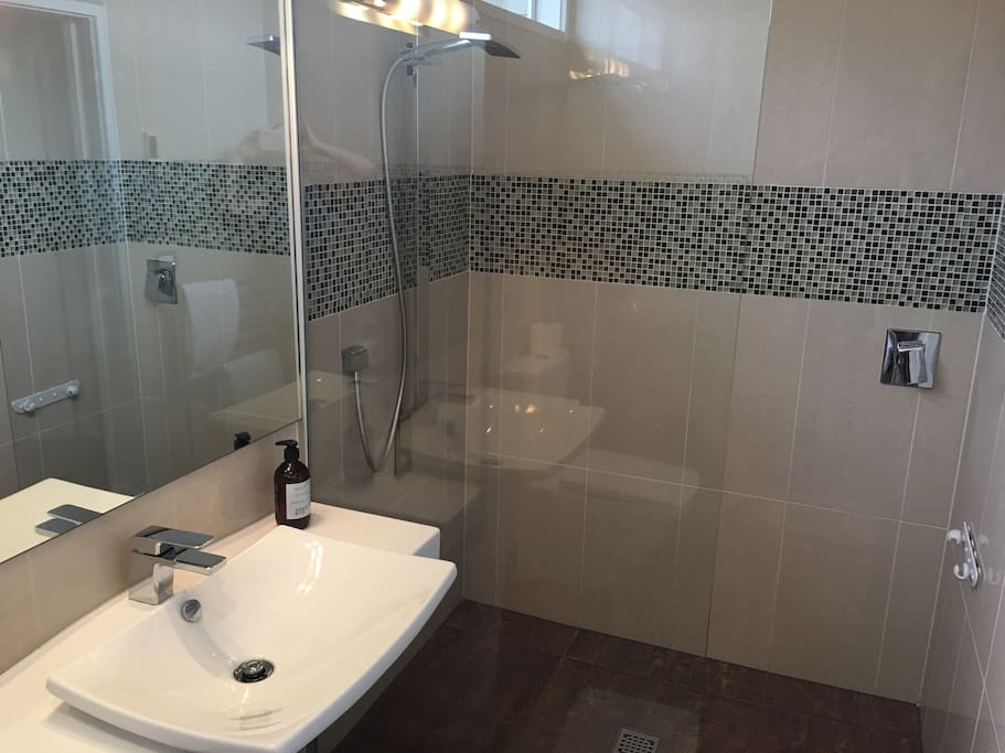 Your OWN bathroom :-). Instant gas hot water, high pressured shower, with underfloor heating, heated towel rail and good quality towels & nice soaps.
