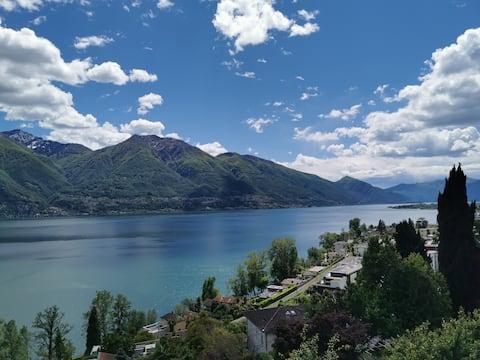 Appartamento moderno con bellissima vista sul lago