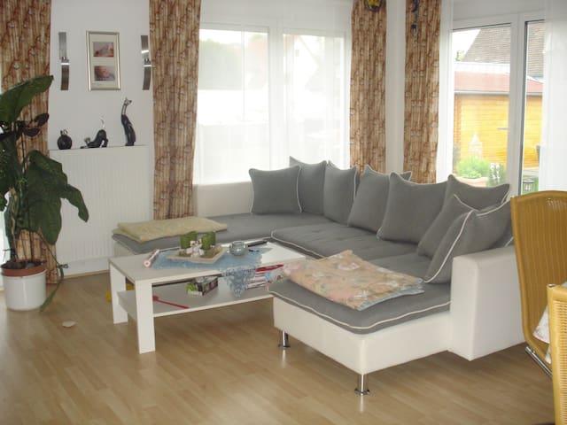 Schöne, Ferienwohnung in Eriskirch am Bodensee - Eriskirch - Apartament