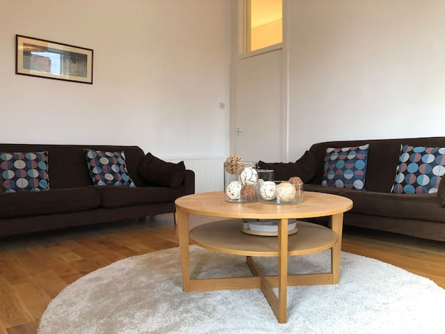 Bright, Spacious flat, Finnieston Glasgow West End