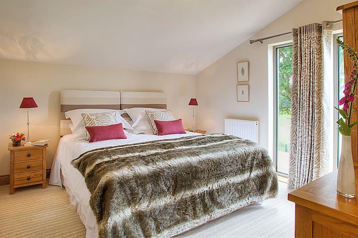 Woodside Lodge Hexham luxury self catering for 2 - Whitley Chapel - กระท่อมบนภูเขา