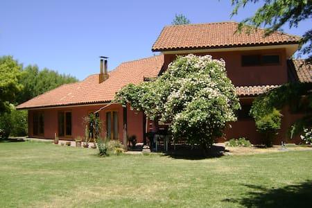 Hermosa Casa en Parcela de 5.000 m2 - Dom