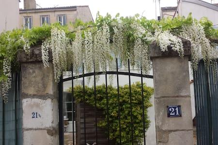 les volets bleus - La Rochelle