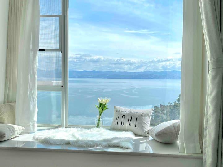 山海景投影两室套房+楼下美食街+离洱海50米+楼下游船码头