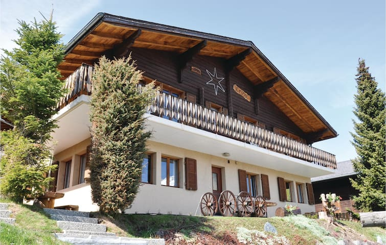 Holiday apartment with 3 bedrooms on 195m² in Unterbäch