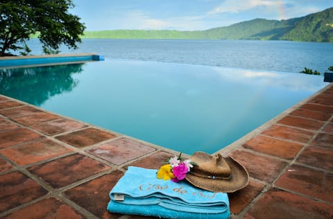 Luxury Waterfront @ Laguna de Apoyo