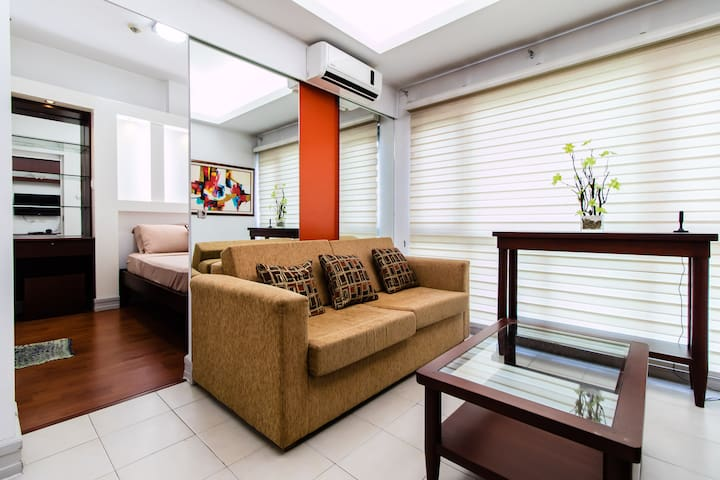 1BR at Bonifacio Global City, Fort