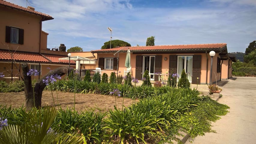 Villetta indipendente con giardino - Bordighera - Huis