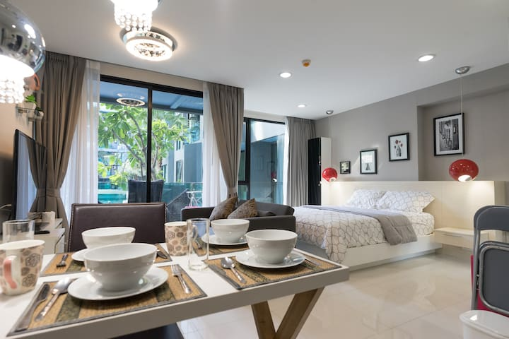 5★ Pool Accessed 1bed 200m to Beach / Night MaKet