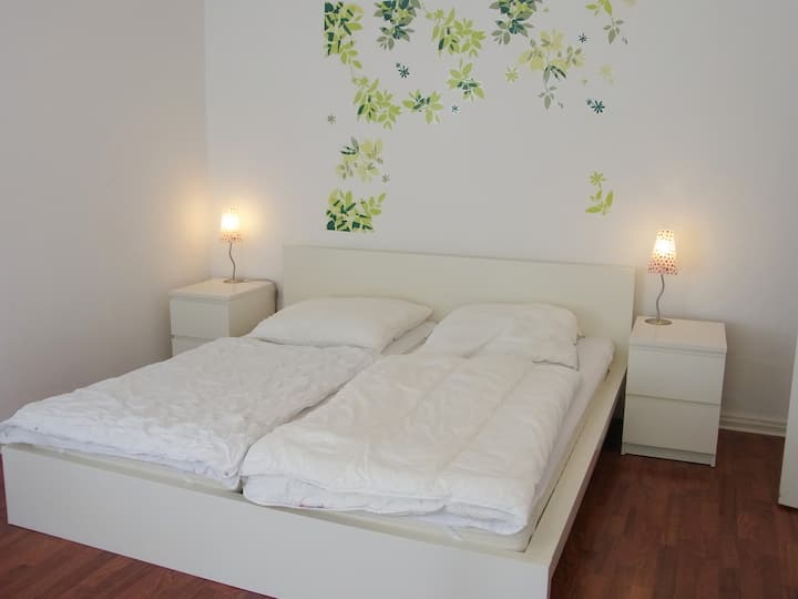 Simple low price holiday apartment. (1320)