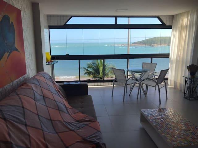 Apartamento 4 quartos em frente à praia