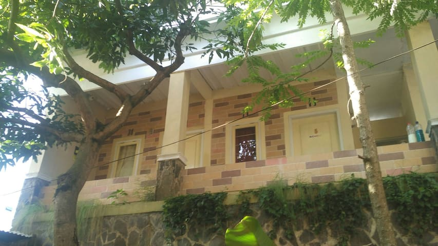 Nature House in The Central of Bandung, Cihampelas