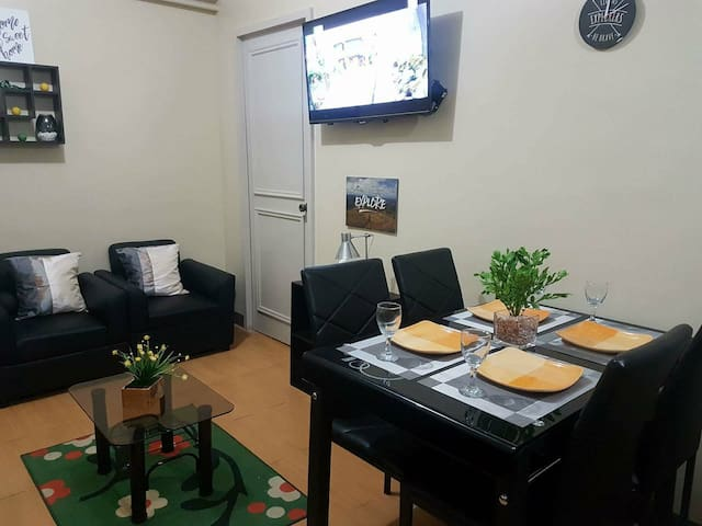 2 Bedroom Condo Unit Cainta/Pasig Fast Internet