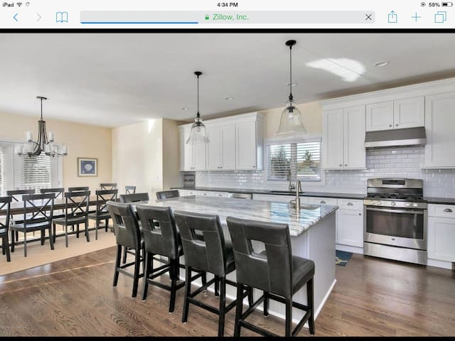 New, beautiful, sunny home one block from beach