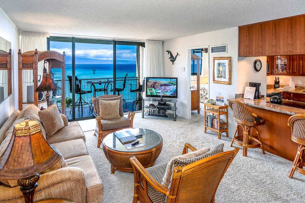 Gorgeous upgraded luxury penthouse suite with sweeping ocean views