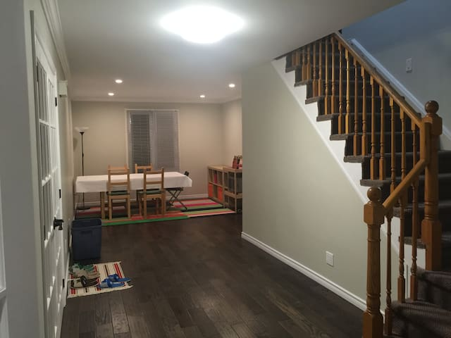 Rooms in Quiet Home near UWaterloo - Waterloo - Huis