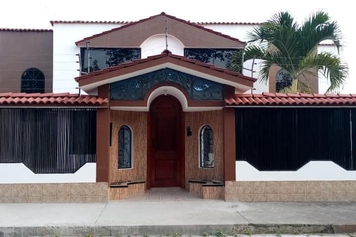 Hermosa Villa Vacacional en Esmeraldas