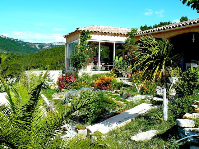 Grande villa dans site d'exception - Lauret - Villa