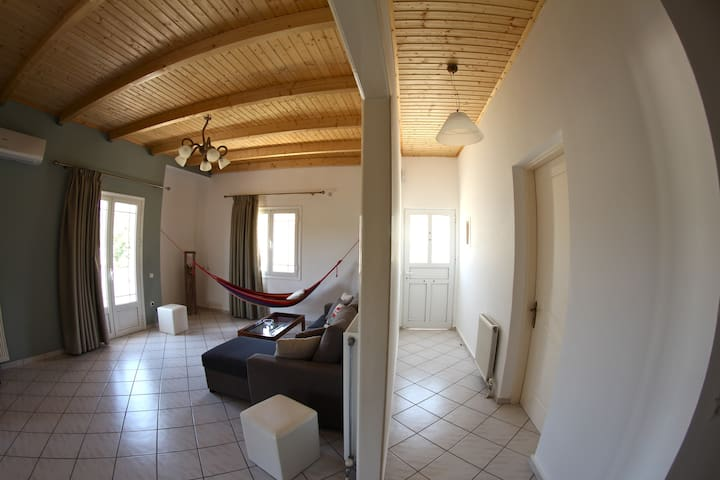 Two-Bedroom Apartment - Ithaki - Hus