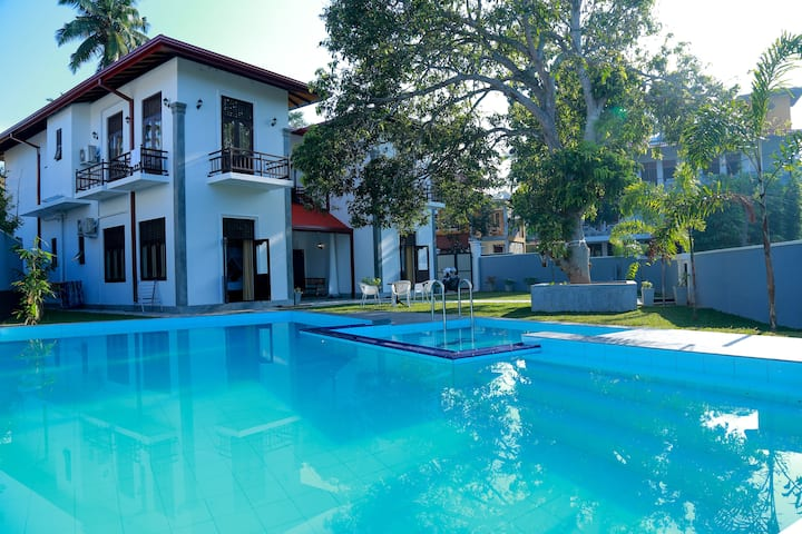 Hikka Nilora 6BR Private Villa with Pool