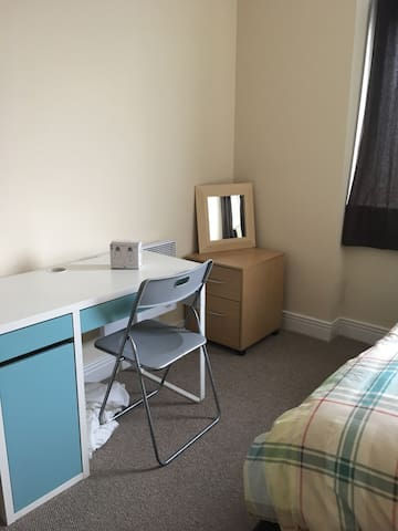 Double bedroom in The heart of Stratford