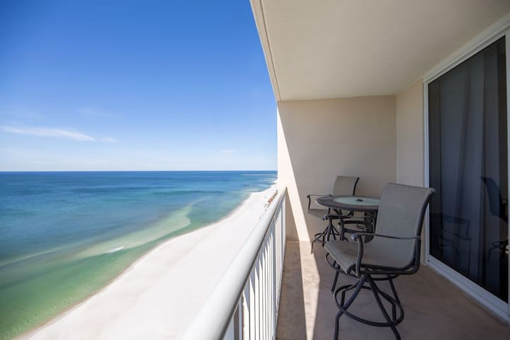 Oceanfront Condo Majestic Beach Towers Sleeps 4